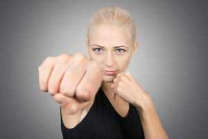 3 THINGS YOU'LL LEARN FROM WOMEN'S SELF-DEFENSE CLASSES